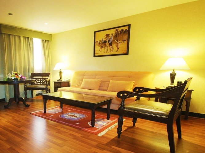 Suite familiar arabian courtyard hotel & spa bur dubai
